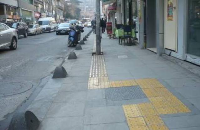 Yanlış Yapılan engelli yolu